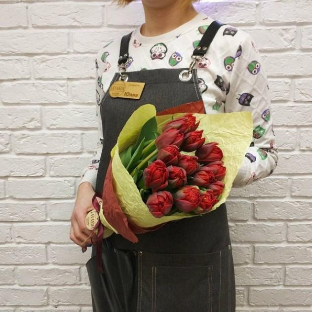15 пиновидных тюльпанов в крафт-бумаге Eko