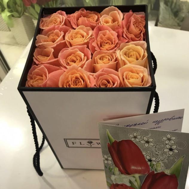 коробочка розовых роз