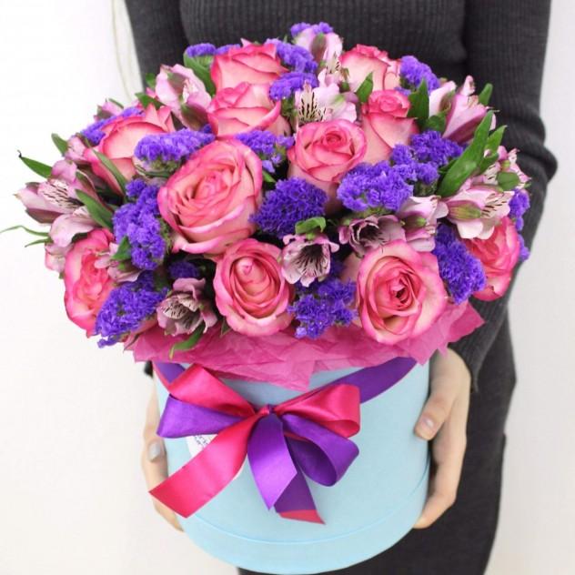 """Букет цветов """"Ассорти"""" в шляпной коробке"""