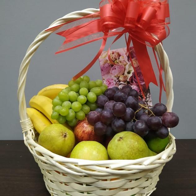 Корзина с фруктами М