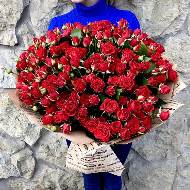 """51 красная кустовая роза 60 см """"Мирабель"""""""